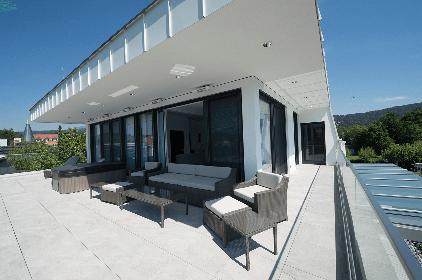 Terrasse_Whirlpool Penthouse_Boutiquehotel_Wörthersee