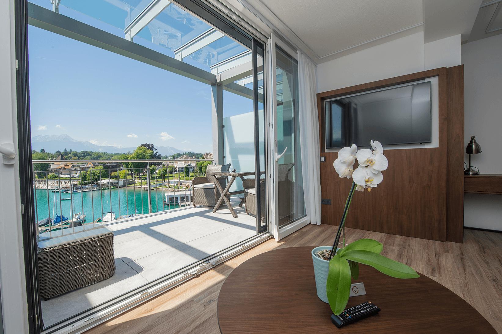 Terrasse_Suite_direkter Seeblick_Obergeschoß_Boutiquehotel_Wörthersee