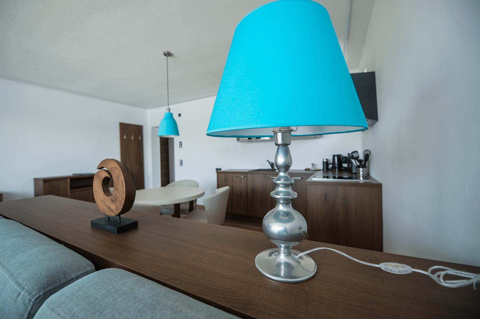 Wohnbereich_Tischlampe